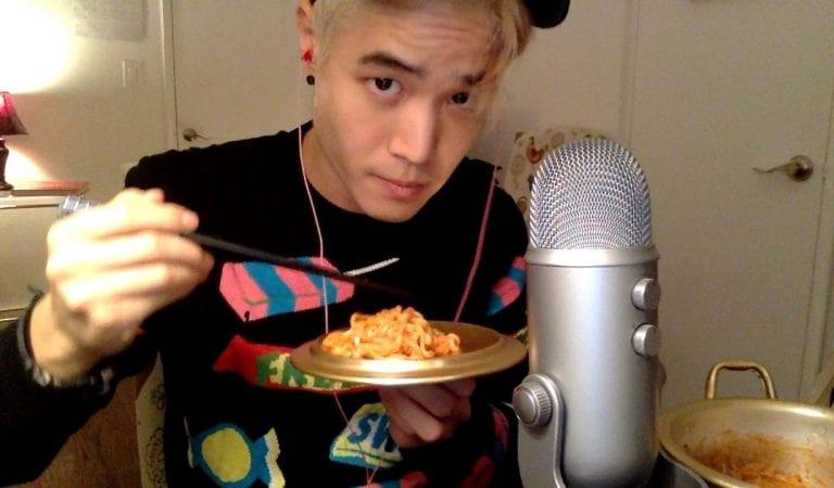 Kenali ASMR, Konten Video Youtube yang Menyuguhkan Suara Makanmu