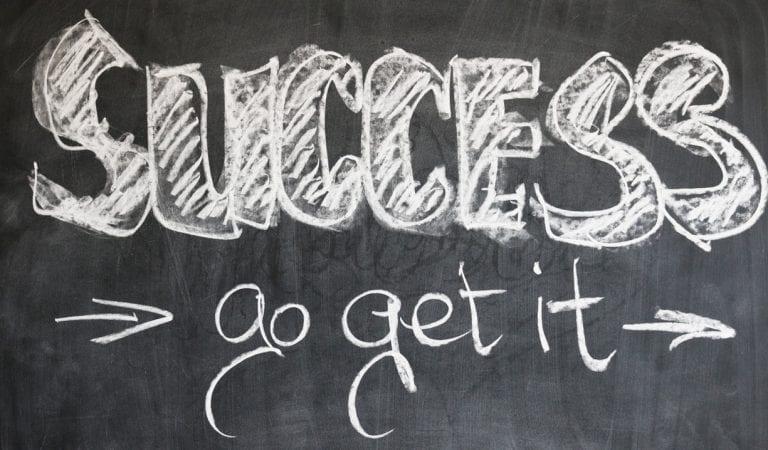 Jangan Menyerah! Para Tokoh Ini Baru Sukses Di Usia Yang Tidak Muda