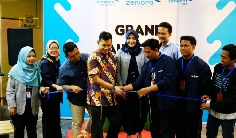 ZENIORA : Inovasi Teknologi Bidang Pendidikan Karya Arek Jawa Timur