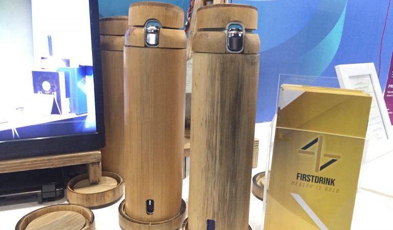 First Drink: Anti Dehydration Device, Mendeteksi Berapa Banyak Kamu Meminum Air Putih