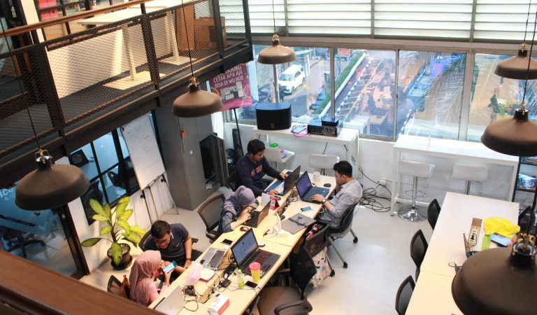 WU HUB Coworking Space: Tempat Kerja Asik Tersembunyi di Kuningan!