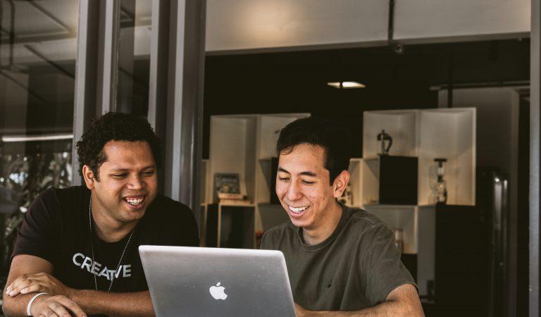 Cara Membangun Kesan Baik Saat Menjadi Karyawan Baru