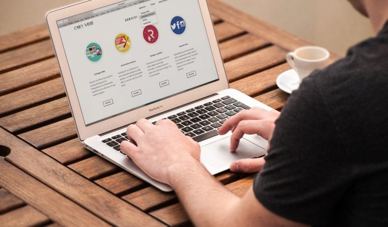 5 Langkah Mudah Undang Pelanggan Melalui Website Cantik