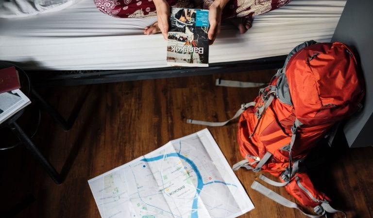 Traveling Light, Cara Jalan-Jalan Dengan Bawaan Ringan