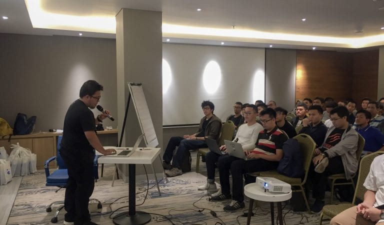 Ngabuburit Developer Di 'Developer Talks by Techinlabs'