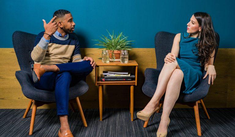 LIA STORY: Belajar Pede Ngobrol Bareng Bule?! Millennial Conversation