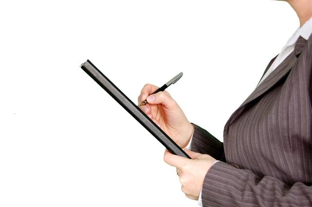 YoBerbagi: Yuk Mengenal Apakah Corporate Legal itu?