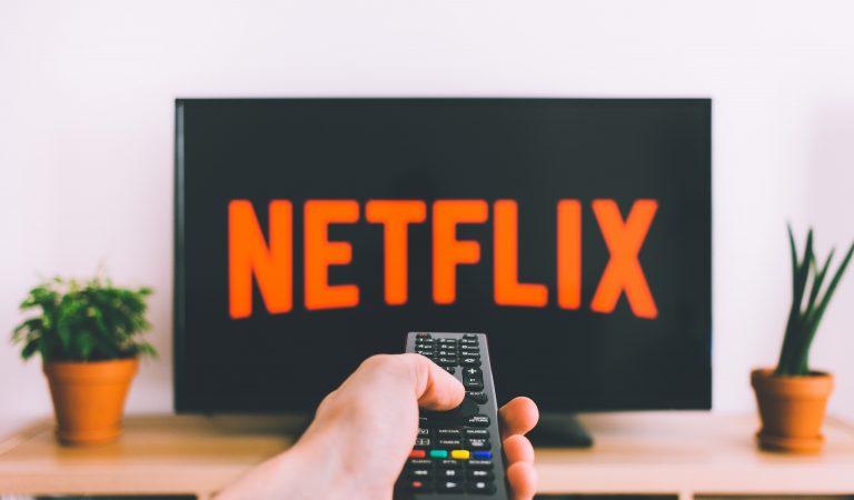 Perbandingan Netflix, Iflix, HOOQ, Viu. Mana Yang Lebih Bagus?