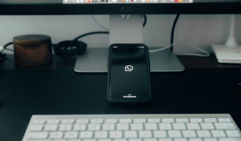 Kolaborasi dengan Facebook, Whatsapp Bisa Video Call Hingga 50 Orang