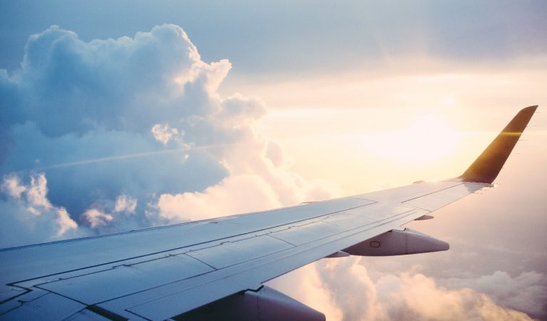 Perhatikan Hal Ini Jika Harus Bepergian Menggunakan Pesawat